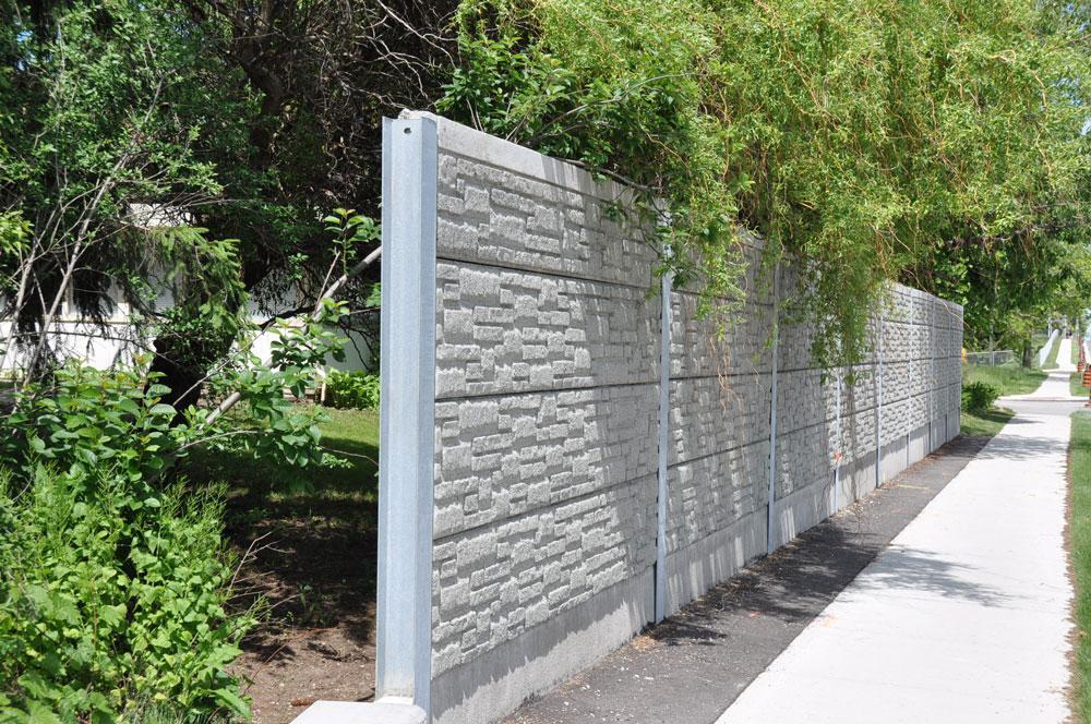 Retaining wall beside sidewalk